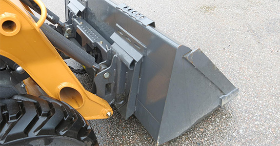 Skid steer loader inspection tips from Ritchie Bros. and IronPlanet.