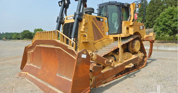 2014 Caterpillar D8T dozer sold by Ritchie Bros. Auctioneers